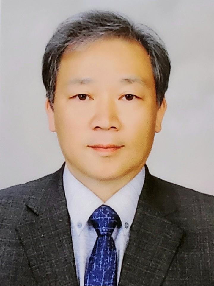 김해지사장 오동욱 목사(평안교회).jpg