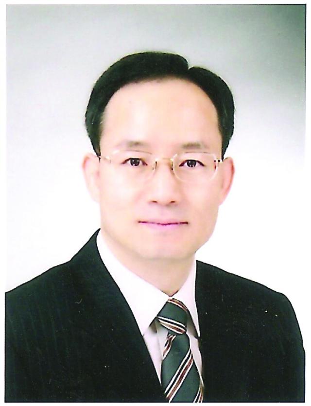 신현욱 전도사.jpg