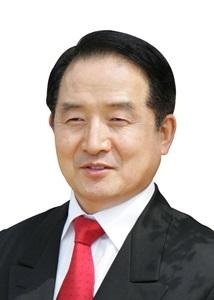 김철봉 목사.jpg