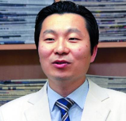 수동연세요양병원장 염안섭.png
