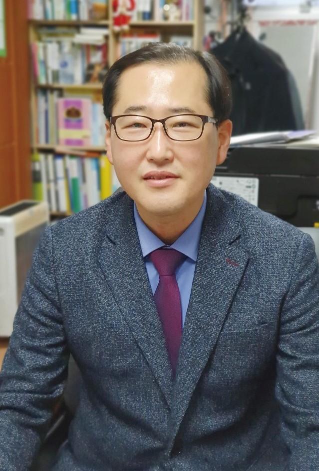 김무건 목사.jpg